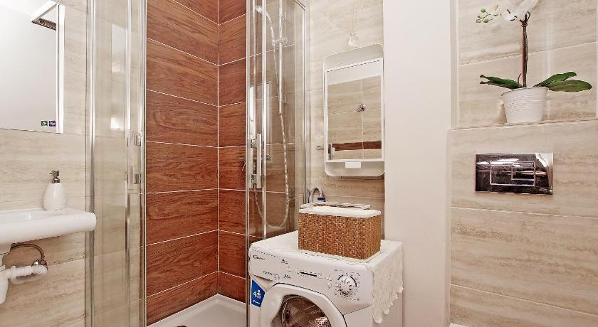 One-Bedroom Apartment - Bathroom Gdynia Comfort Apartments 4