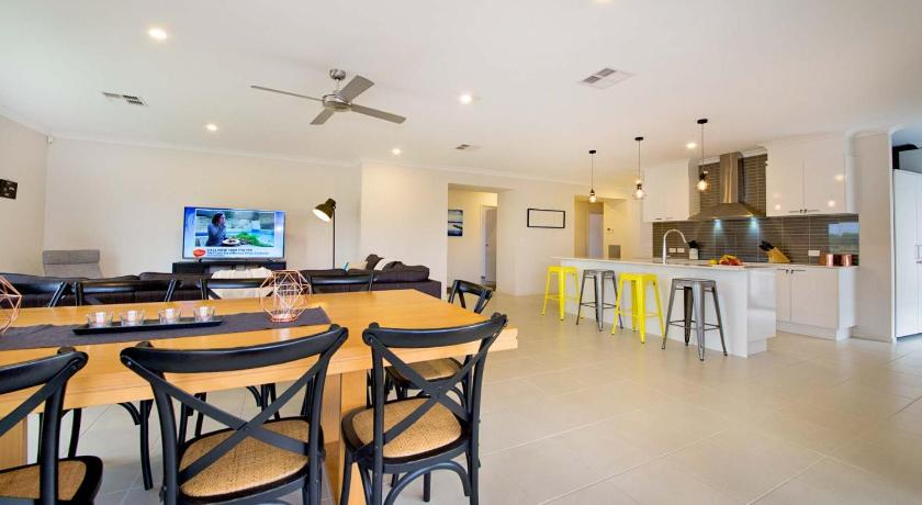Bundalong Retreat Lakeside Dr
