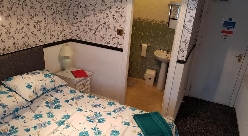 Double Room - Guestroom Chatley Court Guest House