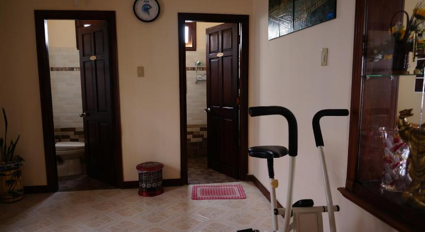 Fitness center Daisy Homestay
