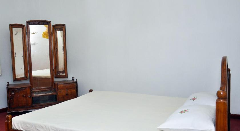 Double or Twin Room with Shared Bathroom - Guestroom Villa hashini