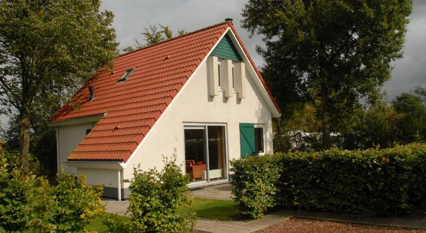 Holiday home Landgoed Eysinga State 2