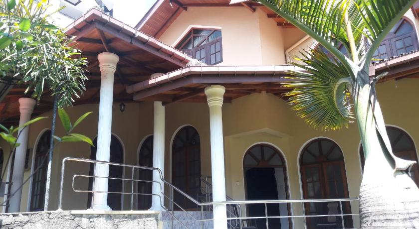 Entrance Kandy Central Guest House