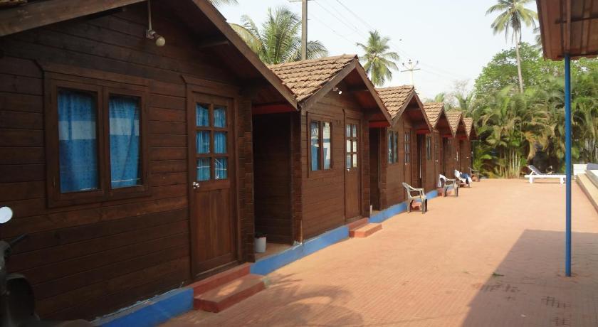 More About Arambol Plaza Beach Resort