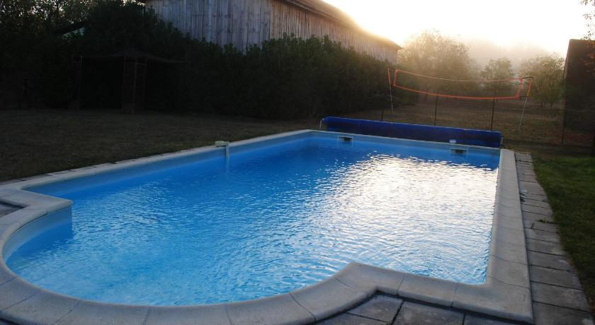 Swimmingpool The French Country Cottages - Les Chouettes Cottage and Barn