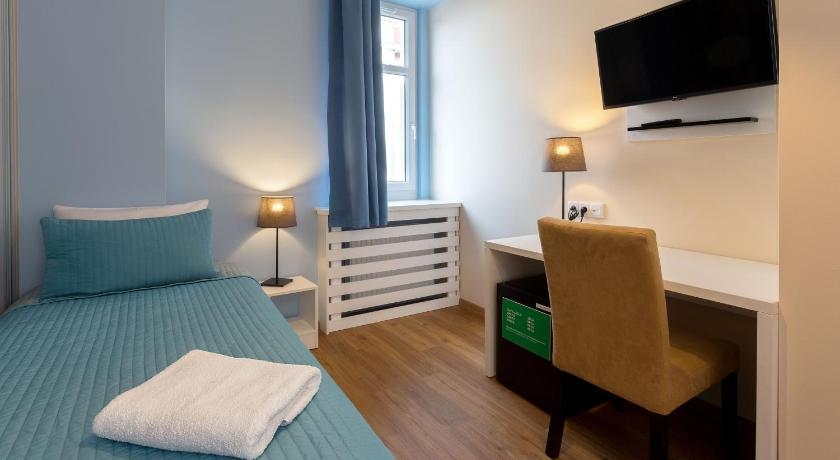 Single Room - Guestroom Traffic Hotel