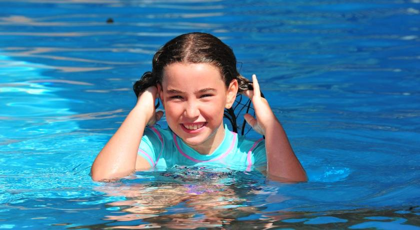 Swimming pool Twin Dolphins Holiday Park