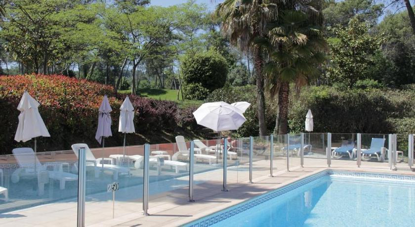 Best Price On Villa  Personnes Vue Golf Avec Piscine In Mougins