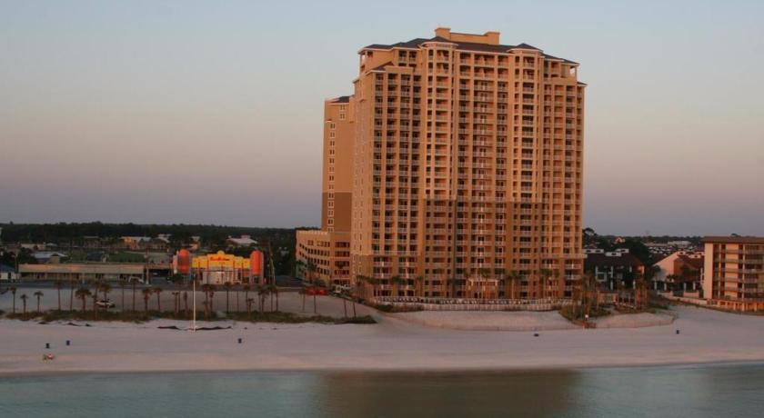 Praia Grand Panama Beach Resort by Emerald View Resorts