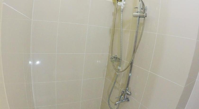 Studio Apartment - Shower Furnished Condo In the Heart of Metro Manila