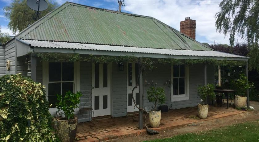 See all 25 photos Drayshed cottage