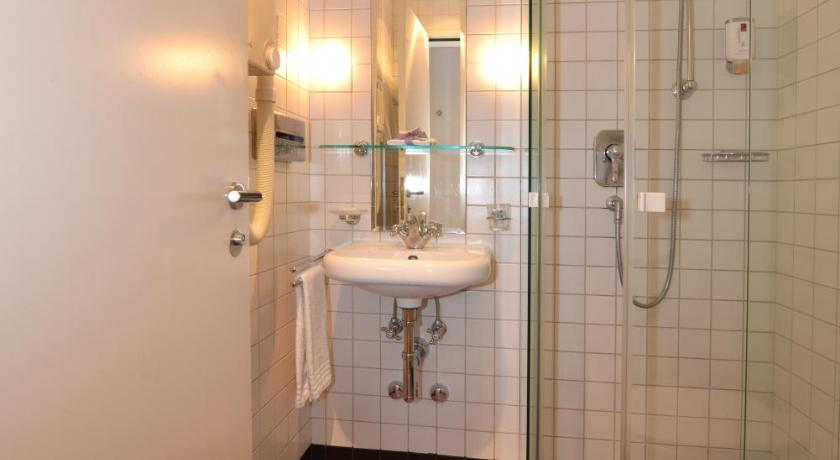 Bathroom Hotel Loge