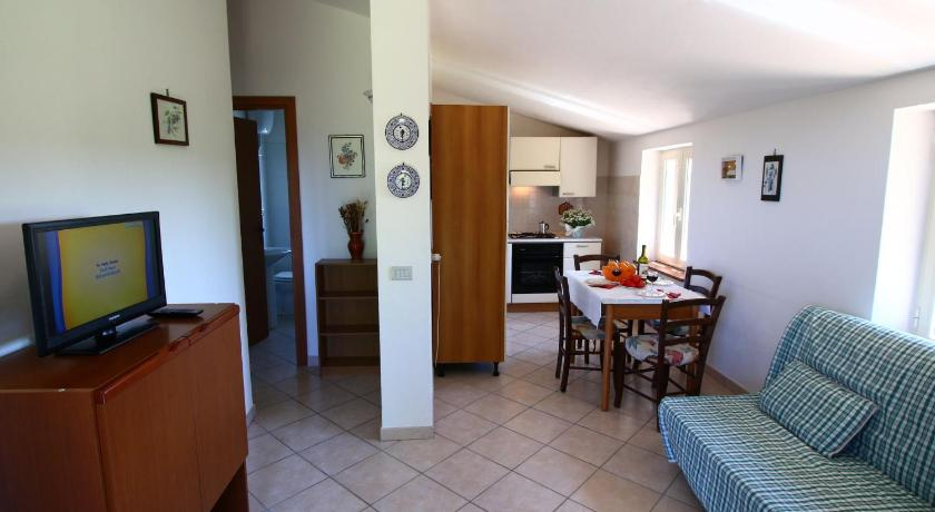 Two-Bedroom Apartment - Separate living room Poderi