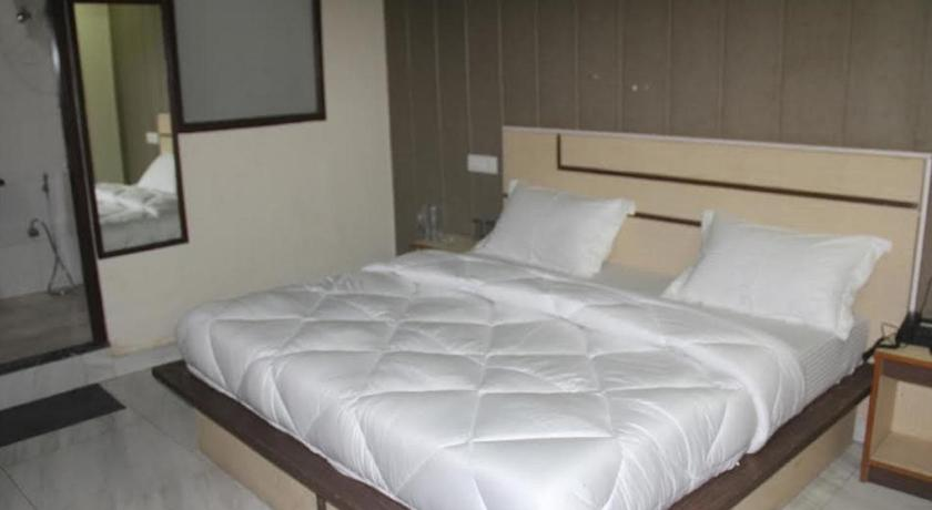 Superior Double Room - Guestroom Hotel Laxmi Holidays Inn