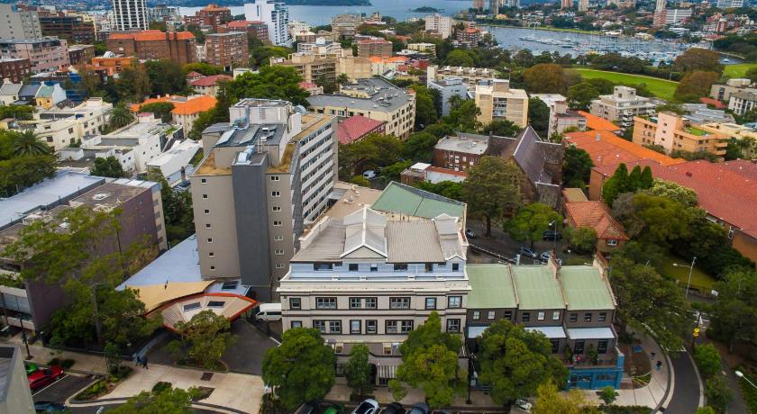 One-Bedroom Apartment - View ELIZABETH BAY FULLY SELF CONTAINED MODERN STUDIO BED APARTMENT (5BAY)