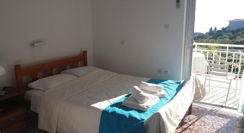 Manoleas Rooms to Let