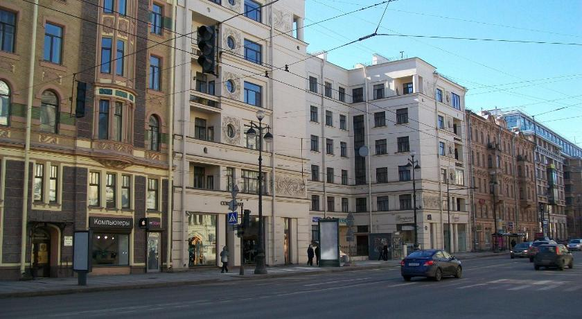 One-Bedroom Apartment (5 Adults) - Entrance Apartment on Nevsky Prospekt 139