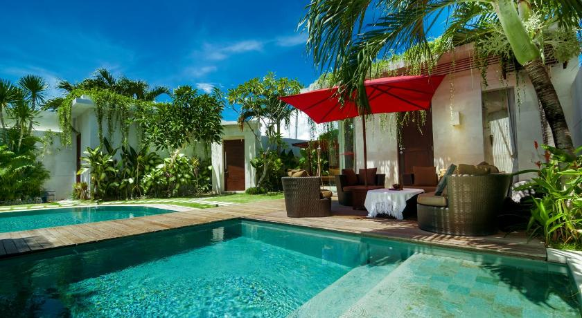 Swimming pool Tropical Villa Central Seminyak