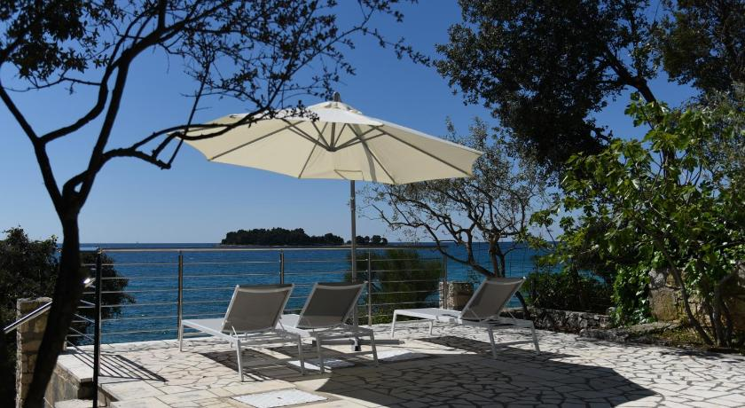 Apartments buric rovinj for Lesso kitchen and bath