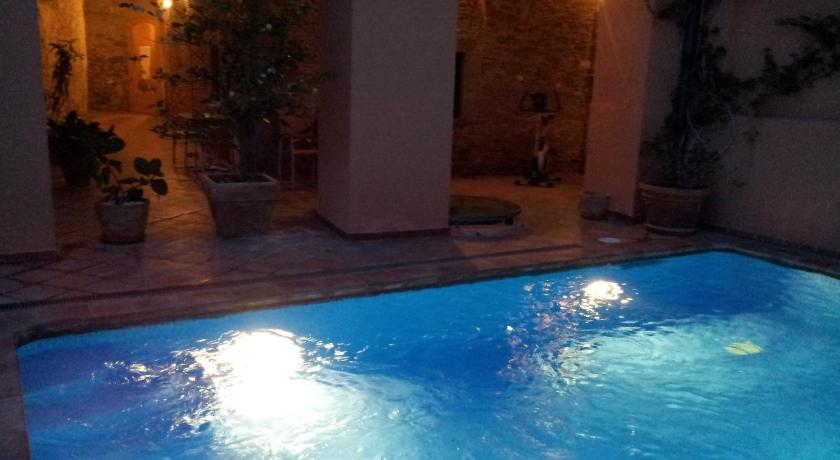 hoteles con encanto en castelló d'empúries  2
