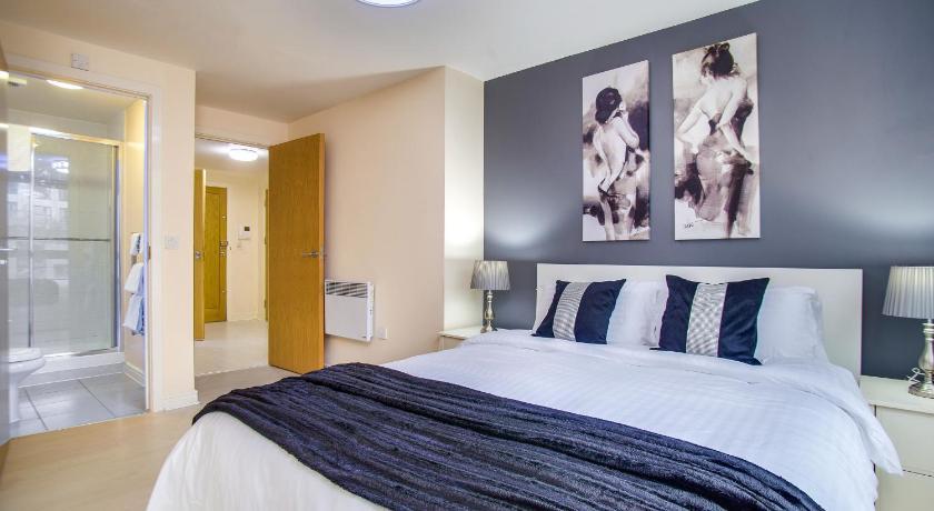 More About Plaza Birmingham City Centre En Suite Apartment