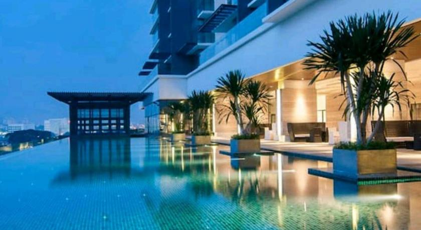 Swimming pool Amazing Experience in Condo Ampang