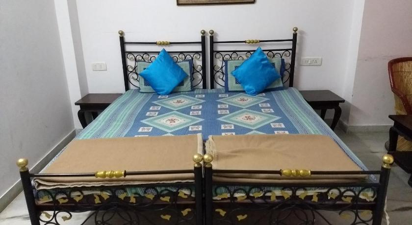 More about Budget Stay Near Bagore Ki Haveli