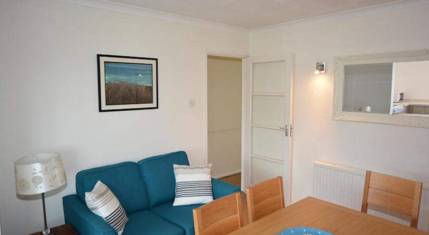 Holiday Home Touchstone - New Polzeath