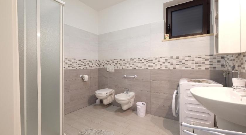 Apartment with Terrace - Shower Venere Pineto Vacanza