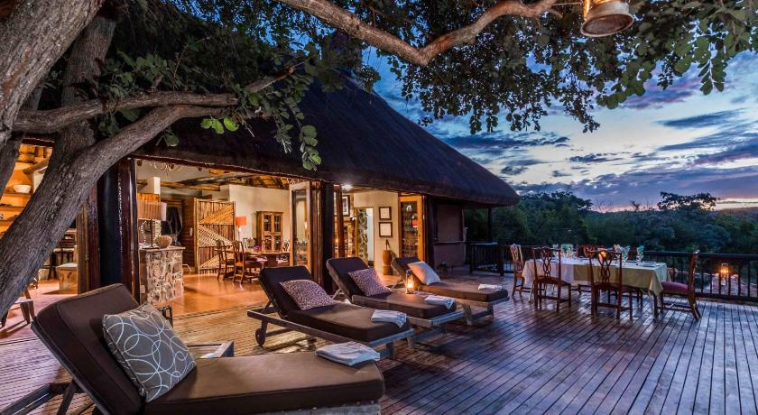 More about iBhubesi Private Game Lodge