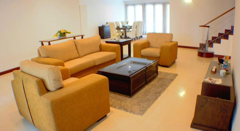 Separate living room 325 Apartment - Persiaran Ritchie