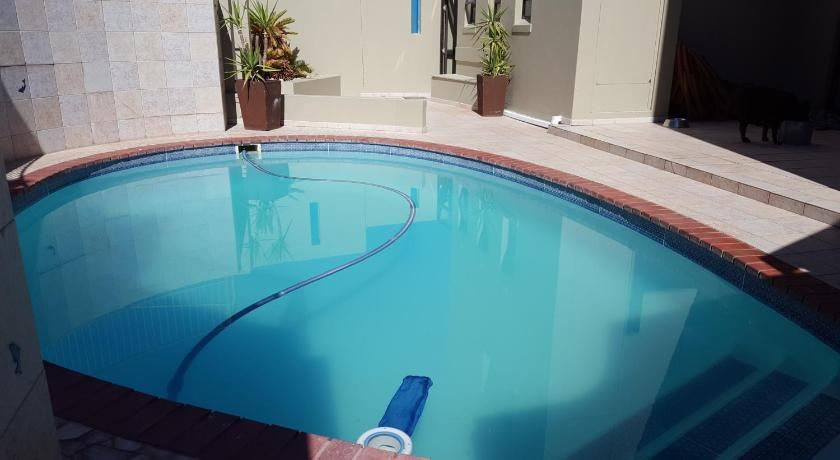 Swimming pool Elizabeth East 98 Port Owen