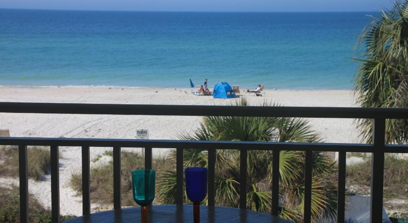 By The C2- Directly On The Beach with Heated Pool & Elevator
