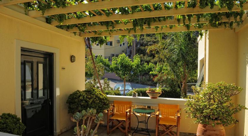 Villiana Holiday Apartments Omirou St. 8 Stalís