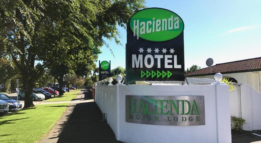 Hacienda Motor Lodge