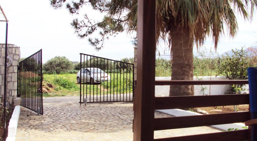 Charming house 500m from the beach