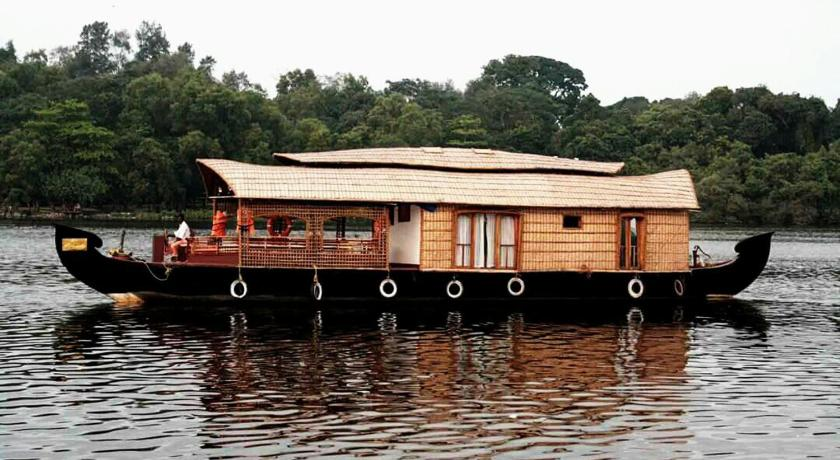 Είσοδος Ashtamudi Houseboat
