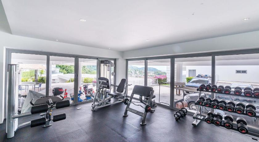 fitness centrum The Vista Karon By Favstay