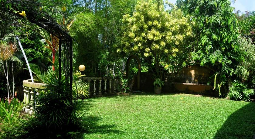 Garden Serenity Holiday Home