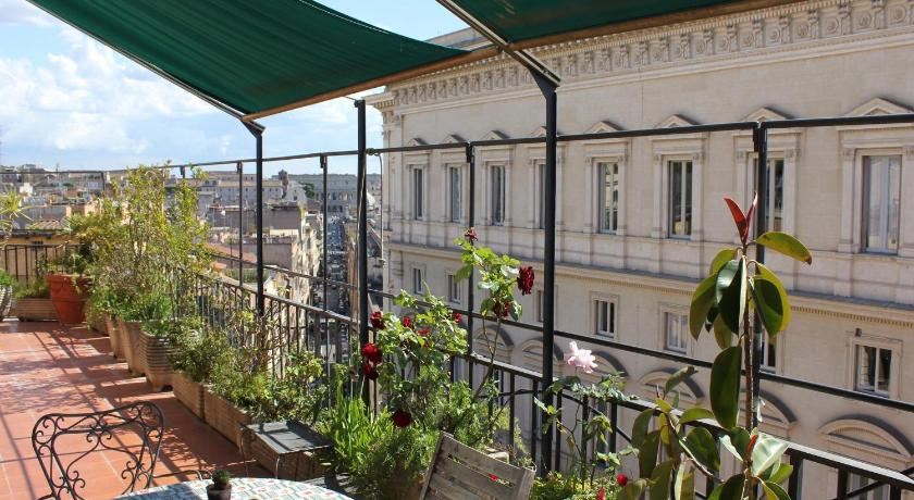 Three-Bedroom Apartment with Terrace - View Rome Suites & Apartments Campitelli