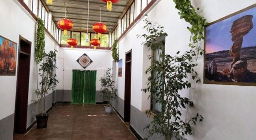 Dunhuang One One Eight Guesthouse