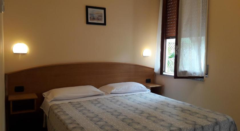 Double or Twin Room with Garden View - Garden Hotel Hydra Club