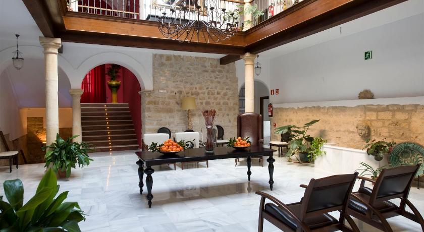 hoteles con jacuzzi en la habitaciÓn en Jaén  Imagen 1
