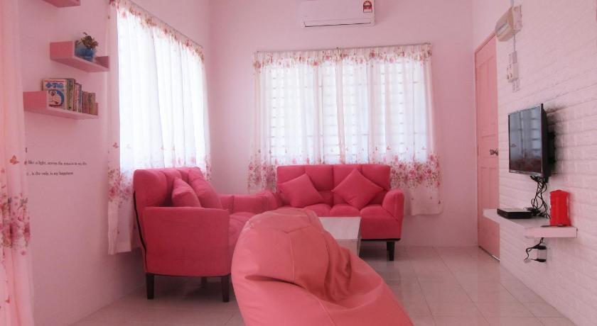MILU Homestay - Kuala Selangor in Malaysia - Room Deals, Photos ...