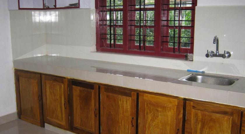 kitchen Best Home Stay Wayanad