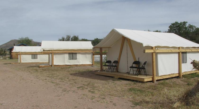 Campout Tent (4 Adults) Grand Canyon Western Ranch