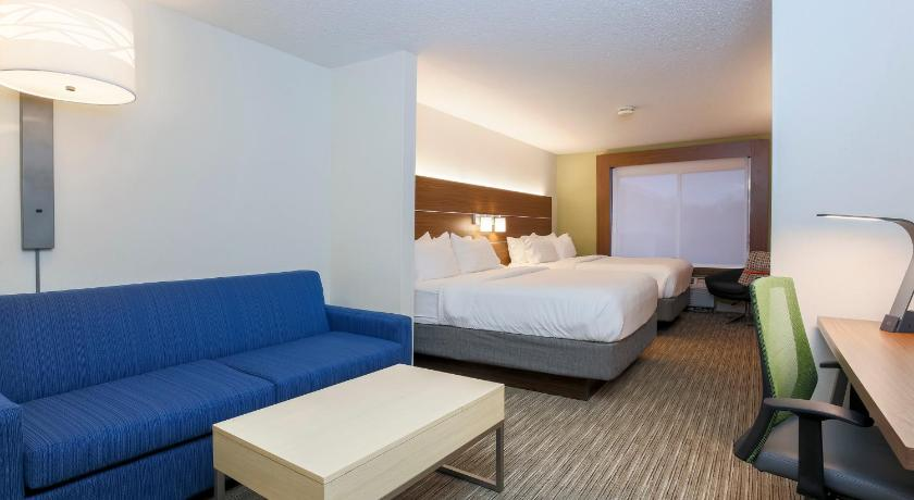 Guestroom Holiday Inn Express Irondequoit