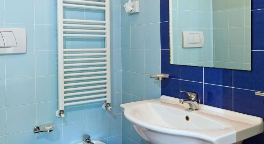 Double Room with Sea View - Bathroom Hotel Antares