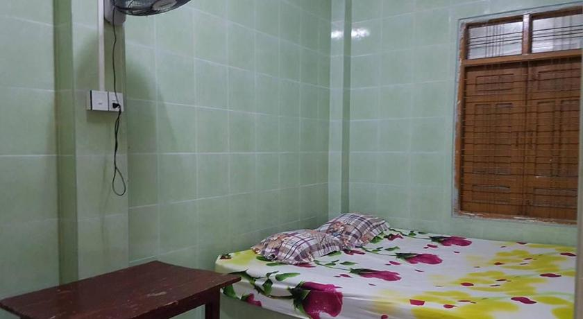 Budget Triple Room - Domestic Only - Pokoj pro hosty Unity Guest House - Burmese Only