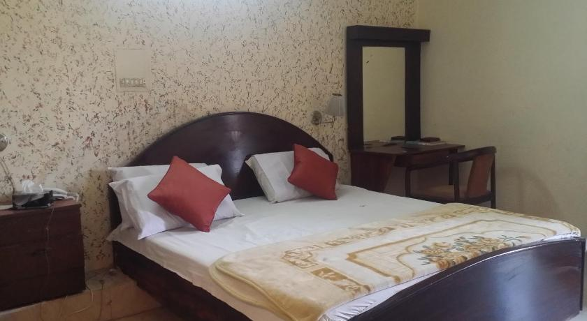 Single Room Hiltop Hotel